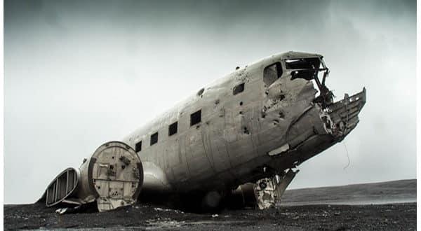 Significado de soñar con aviones que se caen