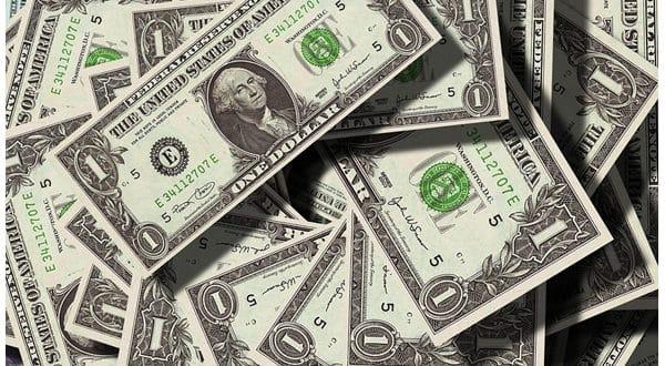 Significado de soñar con dinero falso