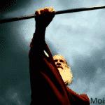 Moises con su baculo