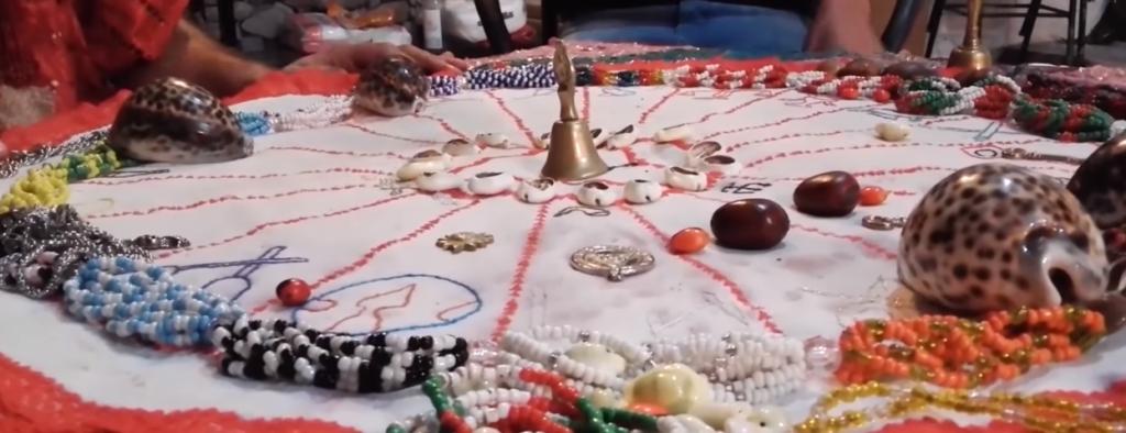 el Ritual de conchas de cauri